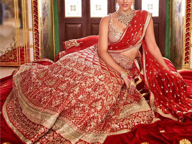 Must-See! 9 Regal Wedding Lehenga Designs With Price to Add A Royal Touch To Your Princess Dream