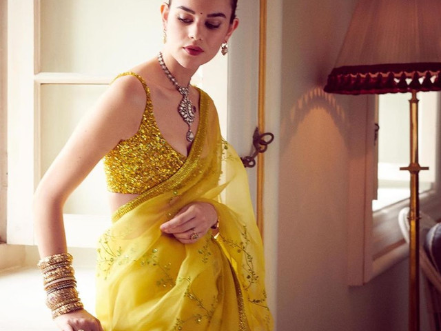 10 Latest Saree Trends for Brides to Check Out for Their Trousseau