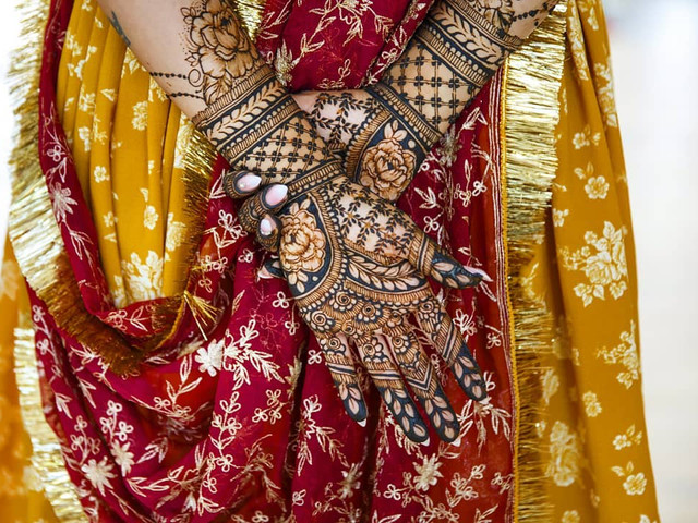 Up Your Look With These Stunning Karwa Chauth Mehndi Designs