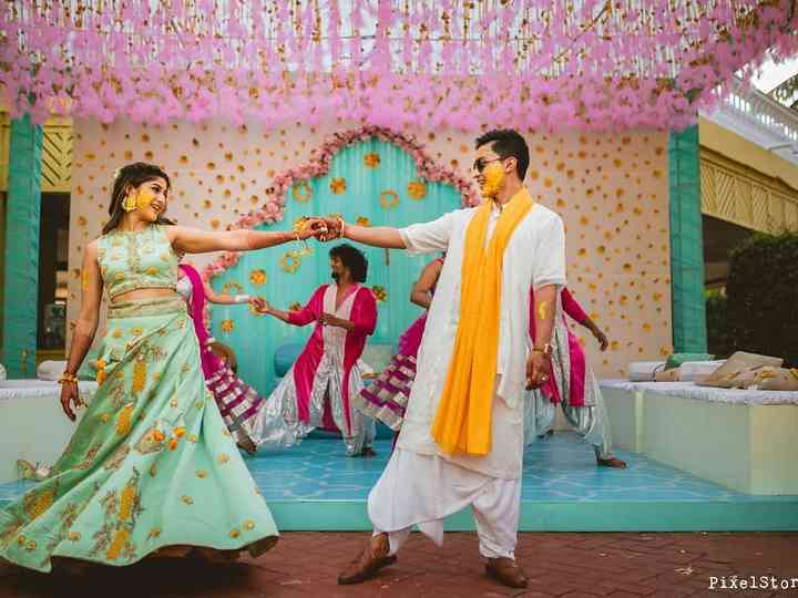 Shake A Leg With These Evergreen Retro Songs For Dance Komal bollywood dance songs choreography. evergreen retro songs for dance