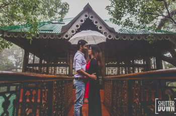 Romantic Photoshoot Ideas in the Rain to Inspire Your Pre/Post Wedding