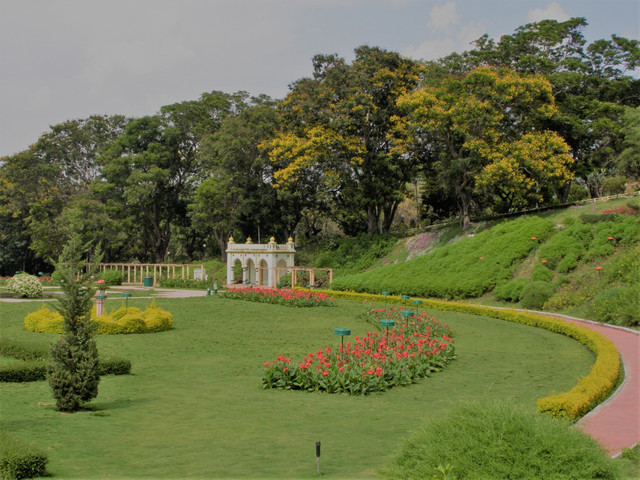 Looking for Mysore Garden venues? Check out the Royal Orchid Brindavan Garden Palace and Spa!