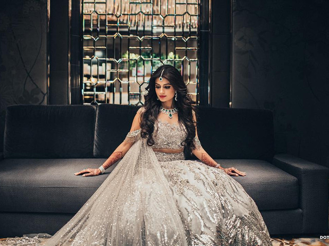 Our Photographer Listed out 6 Trendy Indian Bridal Poses and How to Strike Them All!