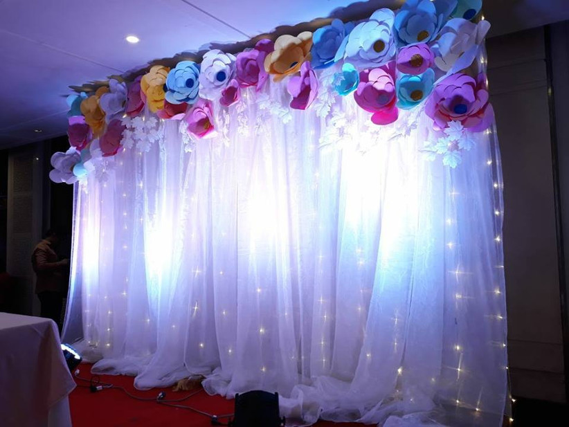 7 Simple Stage Decoration Ideas That Fit Into The Budget Right