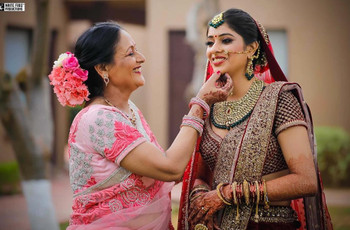 6 Heavy Bridal Lehengas That Will Help You Perfect Your Bridal Look!