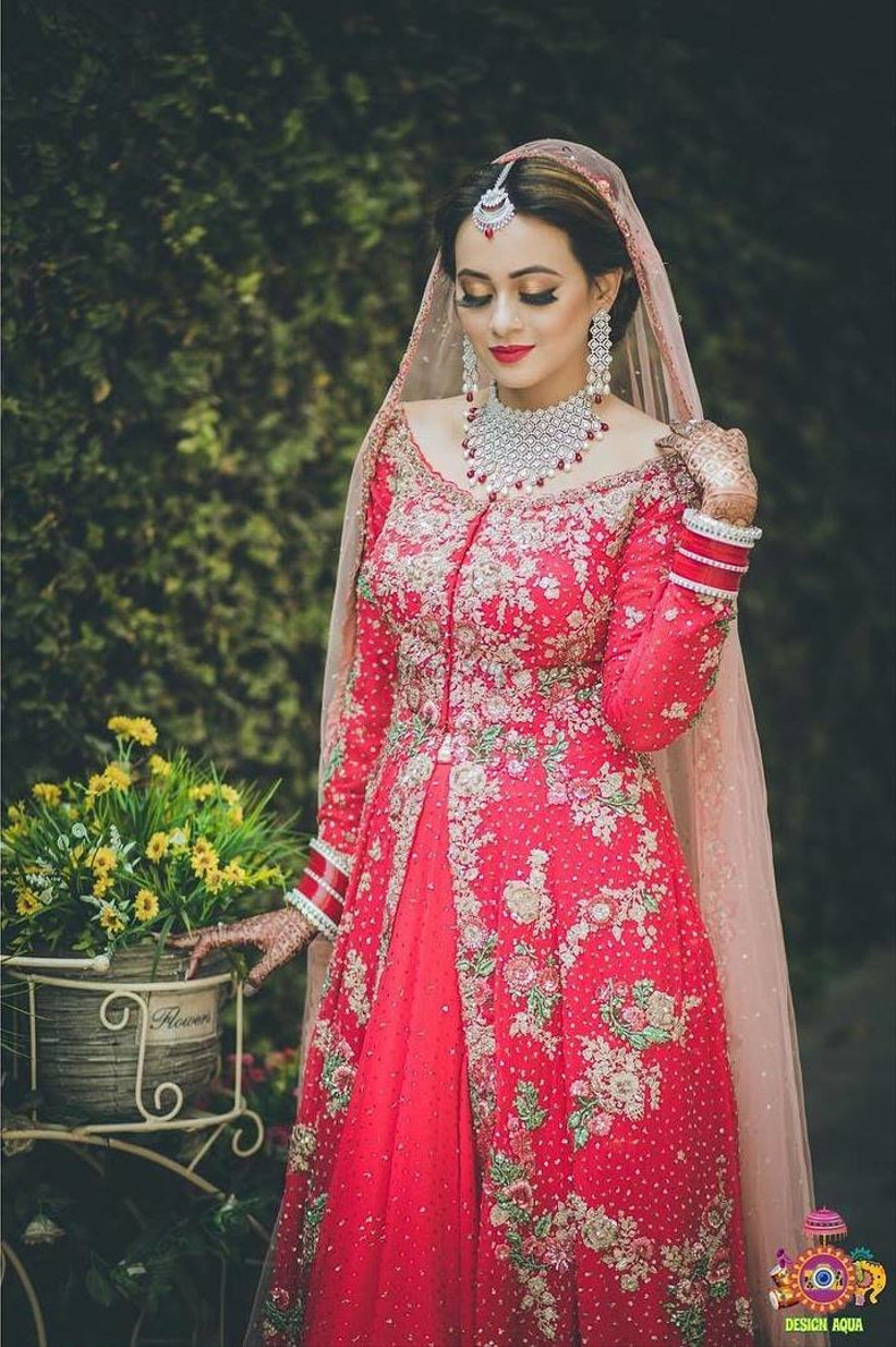 Wear a Boat Neck Suit to Up Your Glam Quotient at Weddings
