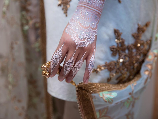 10 Short Mehndi Design Ideas That Will Make You the Star of the Show!
