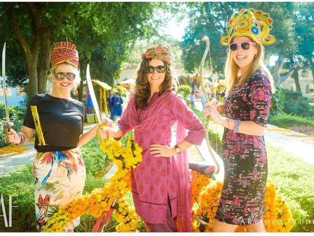 15 Marigold Flower Decor Ideas to Jazz up Your Wedding Venue