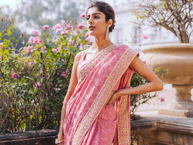 #Trending Ways to Wear a Saree This Wedding Season