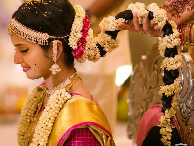 8 South Indian Wedding Hairstyles For Long Hair Which Highlight Your Thick Tresses