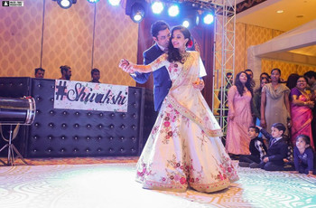 These Wedding Songs for Bride and Groom Will Make Your D-day Lit