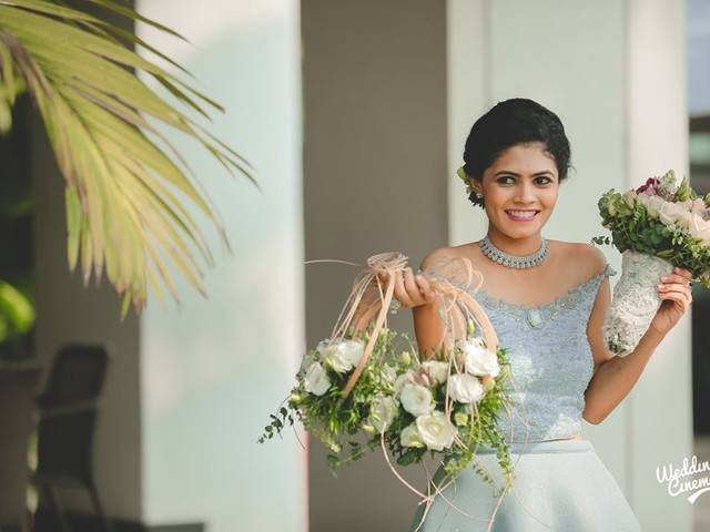 8 Wonderful Ways Wedding Flowers Indeed Add To The Joy, Charm & Cheer For Your Special Day