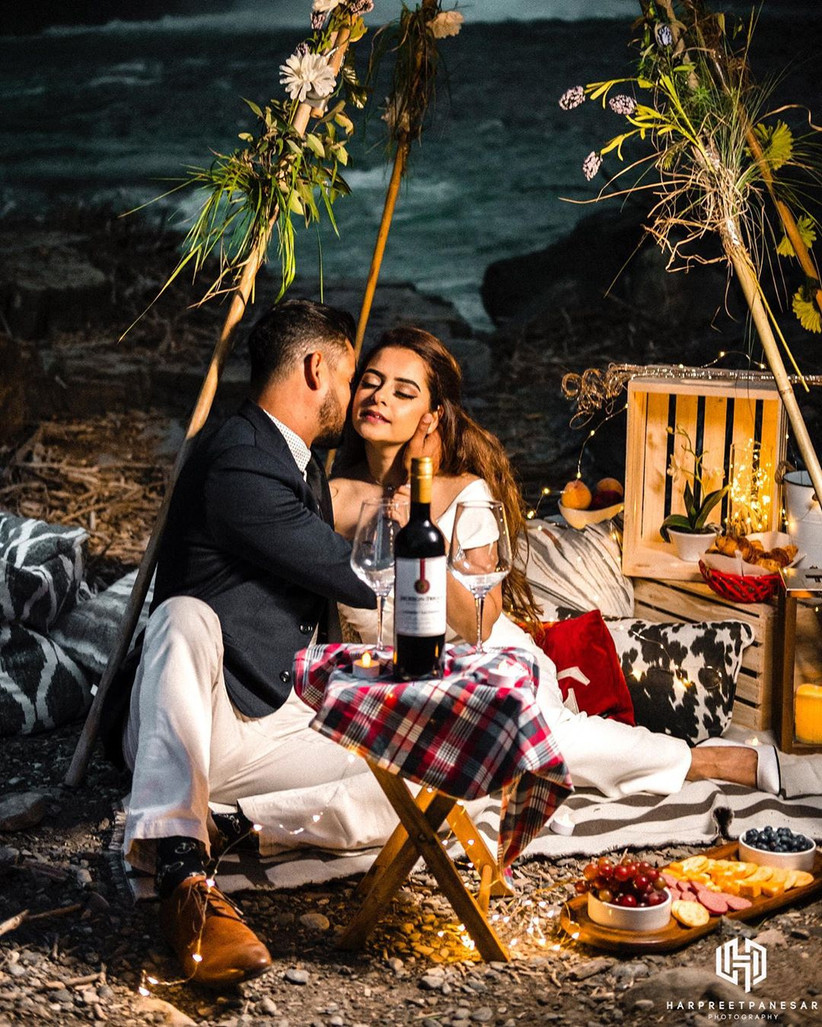 Unique Pre Wedding Shoot Poses That Are Breaking The Internet