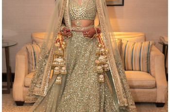 Bridal Authentic Lehenga Guide - All You Need to Know About Your Indian Lehenga to Look Stunning and Divine