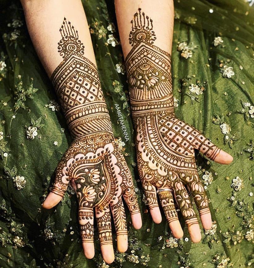 Leaf motif henna design for Muslim brides
