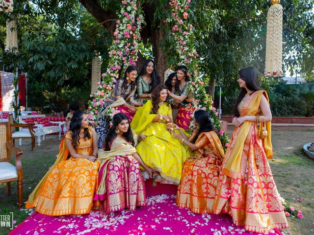 9 Swanky Dhoti Saree Styles for You to Wear on Fun Wedding Functions