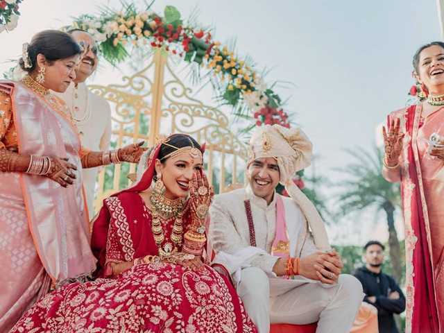 Different Unexpected Wedding Costs & How to Handle Them