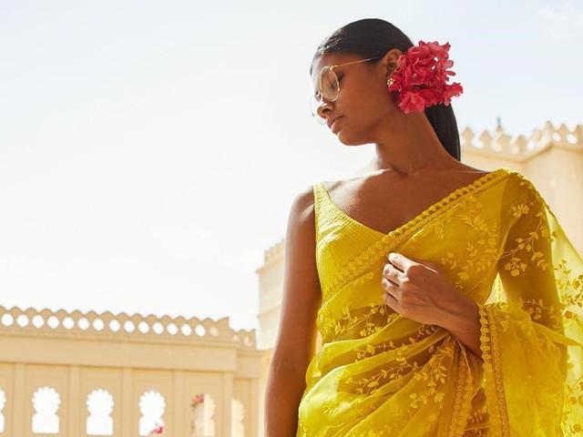 10 Blouse Neck Design For Net Sarees That Broke The Internet!