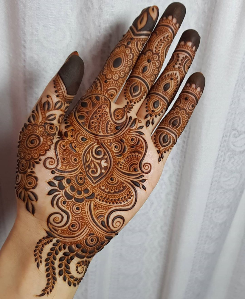 Simple Front Hand Mehndi Design