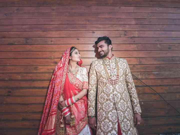 Plan A Surprise By Presenting A Gift For Husband On Wedding Day