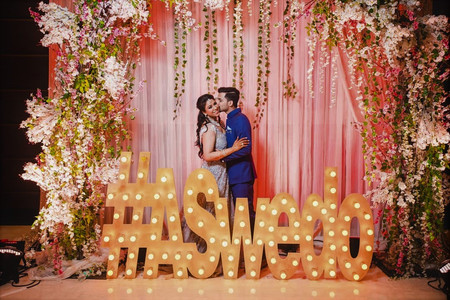 Top Tips on How to Create a Unique Set of Wedding Hashtags