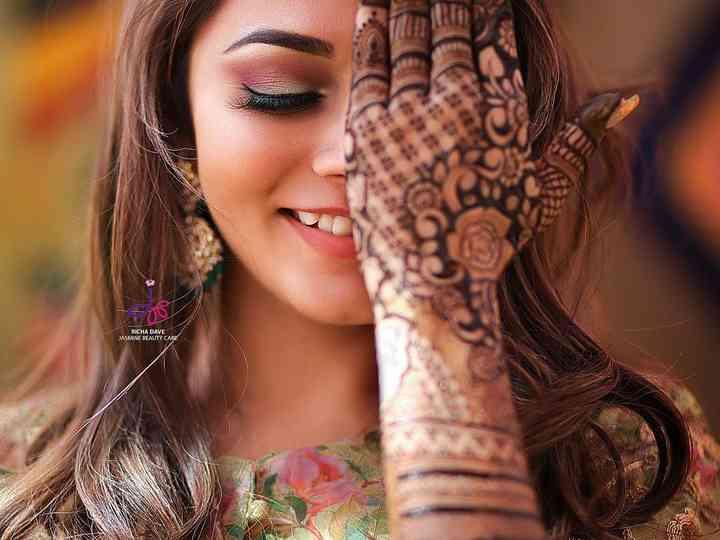 hand mehndi design bridal