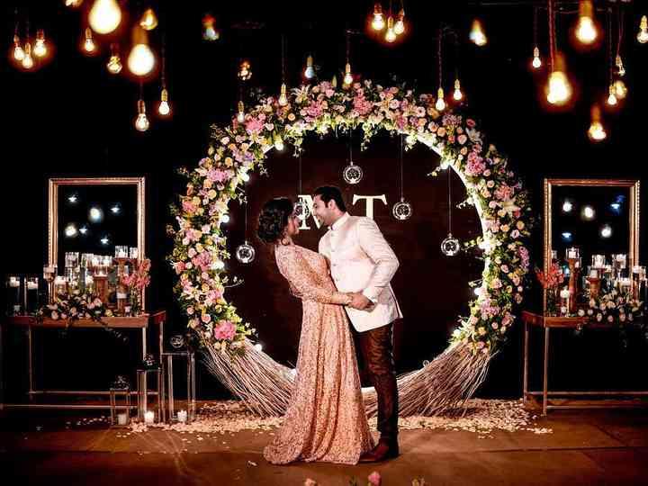 Beautiful Wedding Entrance Ideas To Level Up Your Wedding Decor