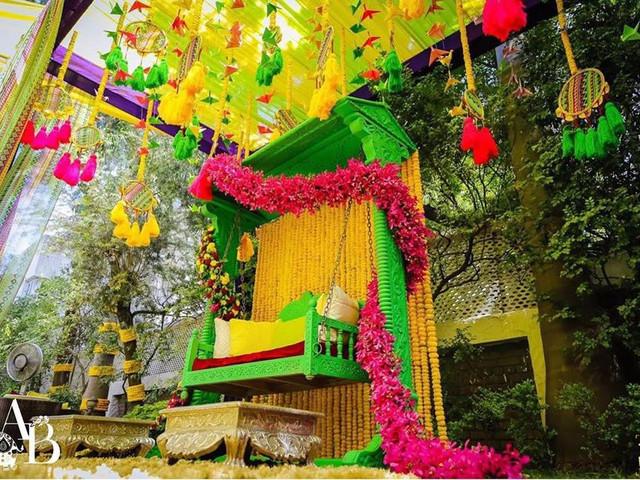 Simple Jhoola Decoration Ideas for a Fragrant Mehndi Ceremony