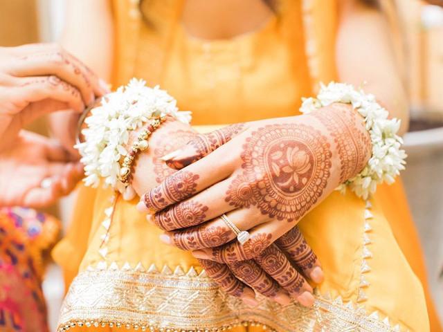 10 Mehndi Designs, Easy & Beautiful, for the Not So OTT Bride