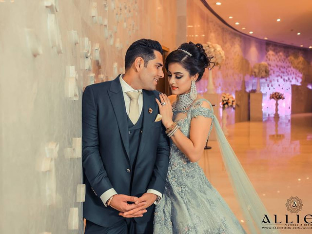 Don't Know the Perfect Angle for Your Indian Wedding Couple Photos? 9 Portrait Ideas That You Need to Check-Out