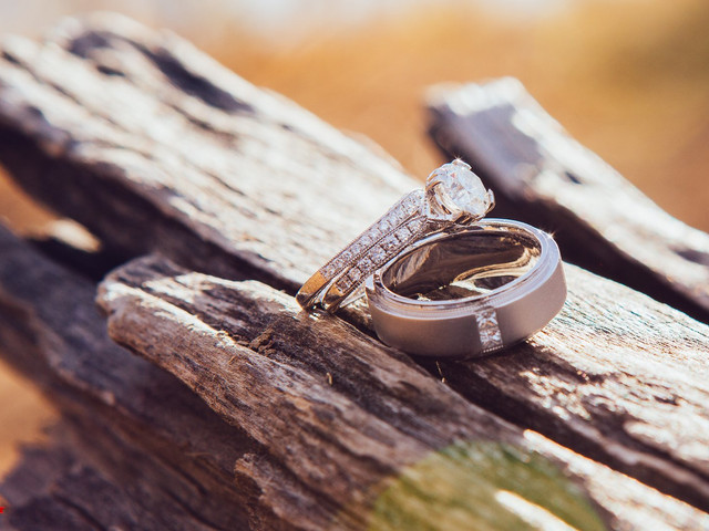 Latest Diamond Rings for Couples to Consider
