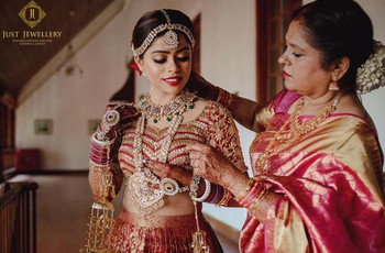 Upgrade Your Bridal Look With Temple Jewellery & Look Like a Diva on Your Big Day!