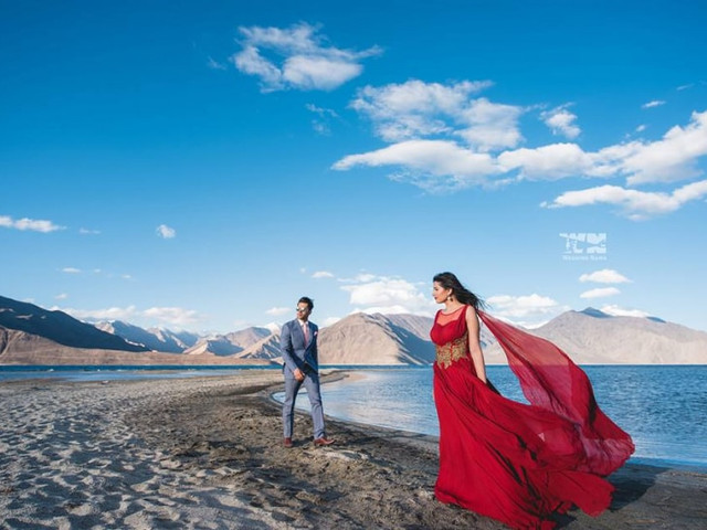 Did Anyone Say Romantic Pre-Wedding Photography Shots? We Have 5 Expert Tips to Help You Get the Perfect Album