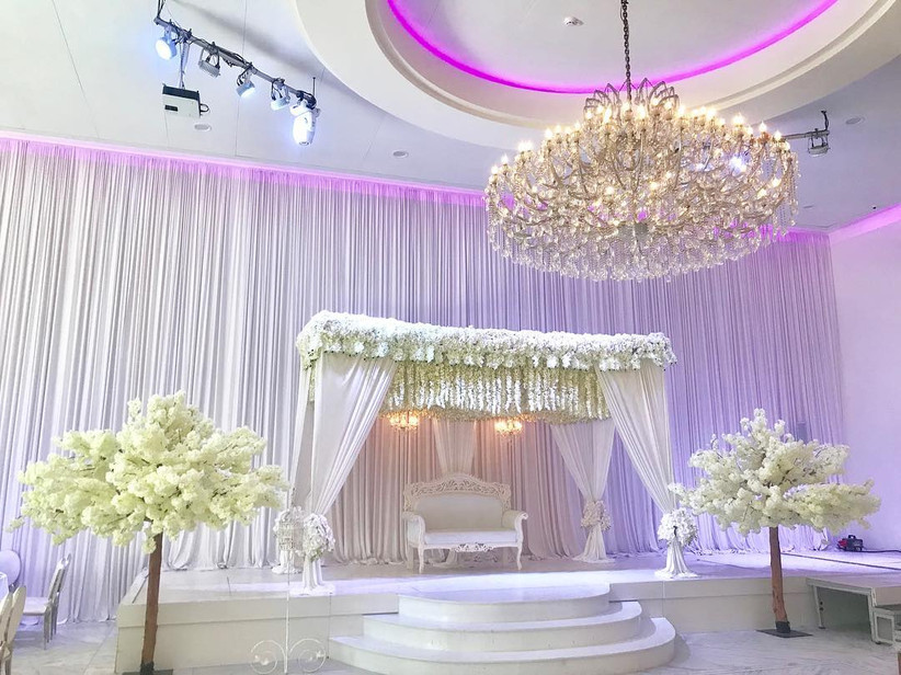 8 Simple Stage Decoration Ideas That Are Stunning Yet Just