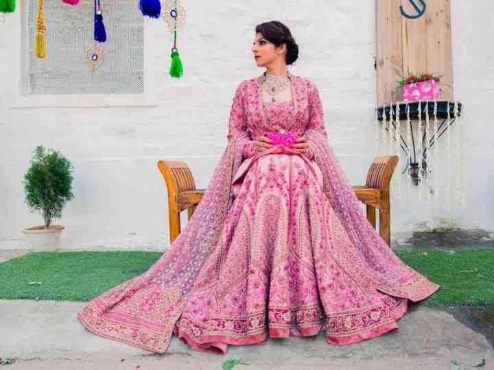 25 Splendid Bridal Lehenga Designs To Make You Look Gorgeous