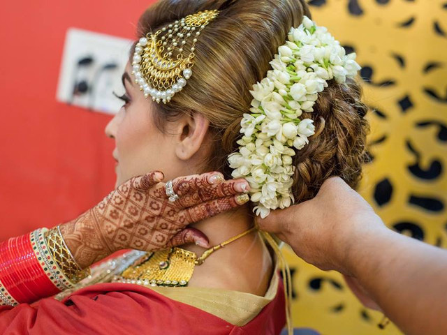 10 Lavish Wedding Hairstyles For Long Hair: 10 Inspiring Indian Wedding Hairstyles For Long Hair You