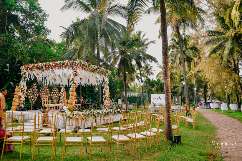 Top White Wedding Decoration Inspirations by Castles and Coasters
