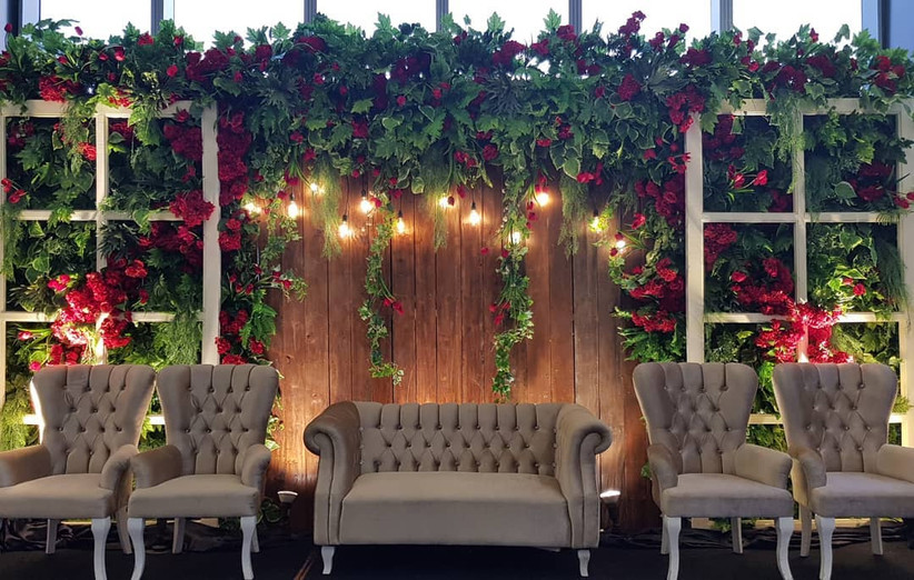 Check These Wedding Stage Decoration Tips For A Stunning Backdrop