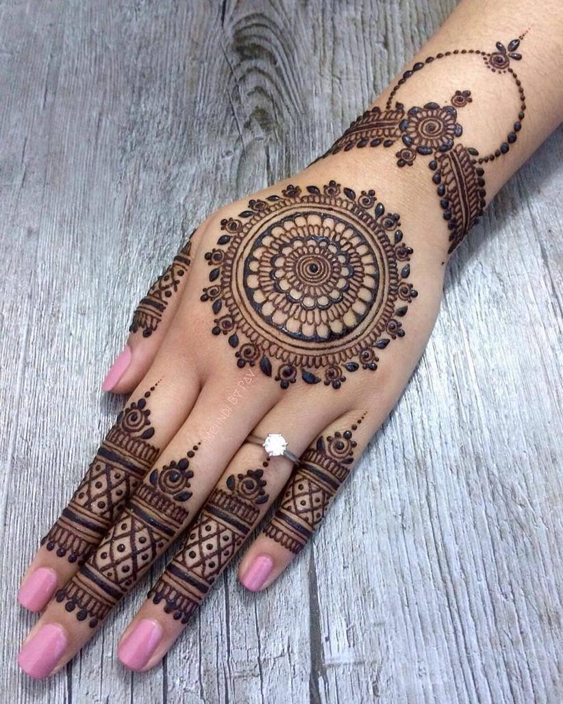 Mehndi Art Designs: 10 Short Mehndi Design Ideas That Will Make You The Star