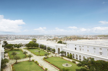 'Falak Tak Chal' At The Falaknuma Palace Hyderabad For Your Dreamy Destination Wedding