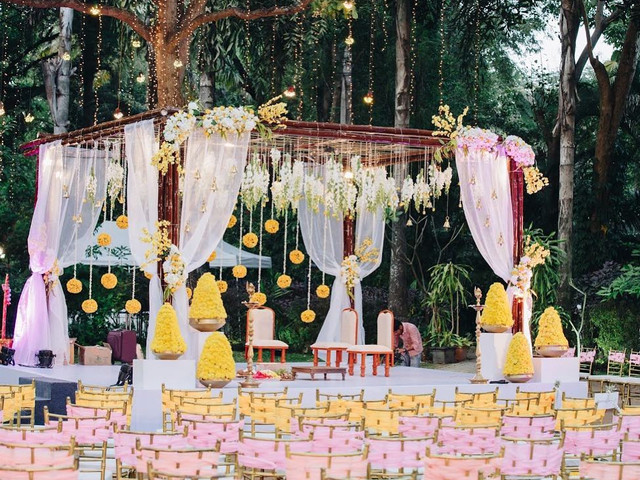 Take a Look at These Floral Decorations for Intimate Weddings for Inpso