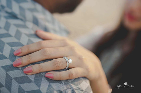 Guide to Knowing the Difference Between Solitaire & Diamond Rings