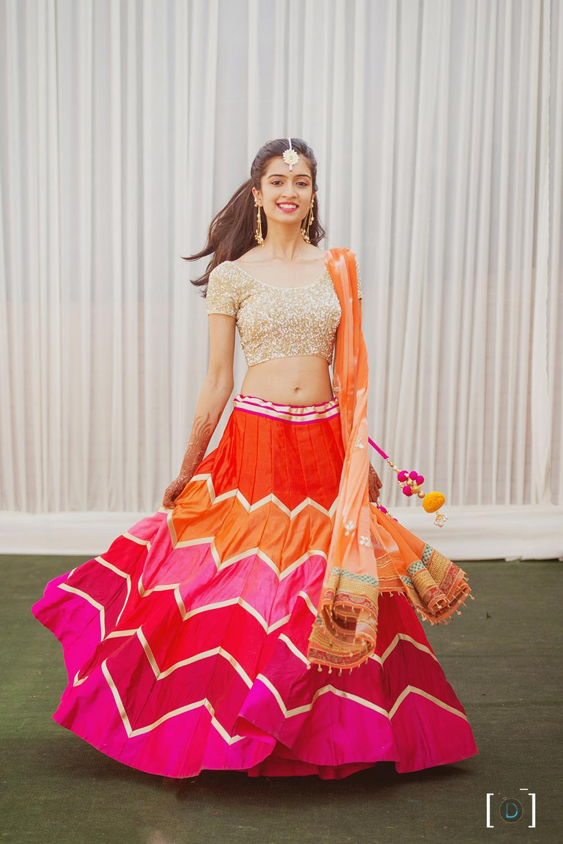 These 8 Crop Tops And Skirts Images Are Perfect For Summer Brides Red brocade skirt and white silk crop top for girls women. these 8 crop tops and skirts images are