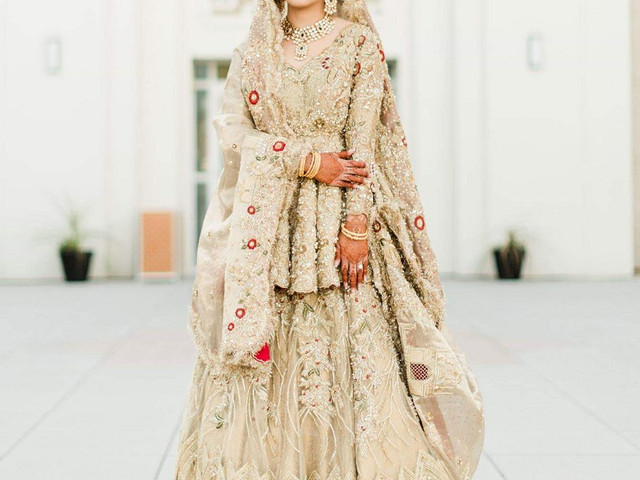 Gorgeous Long Blouse Designs to Pick for the Flawless Look