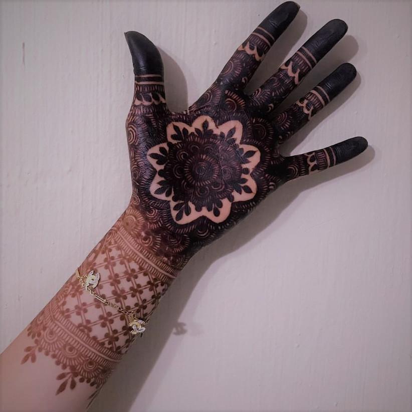 mehndi design round wali