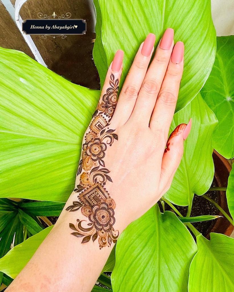 Half Simple Mehndi Design for Backhand