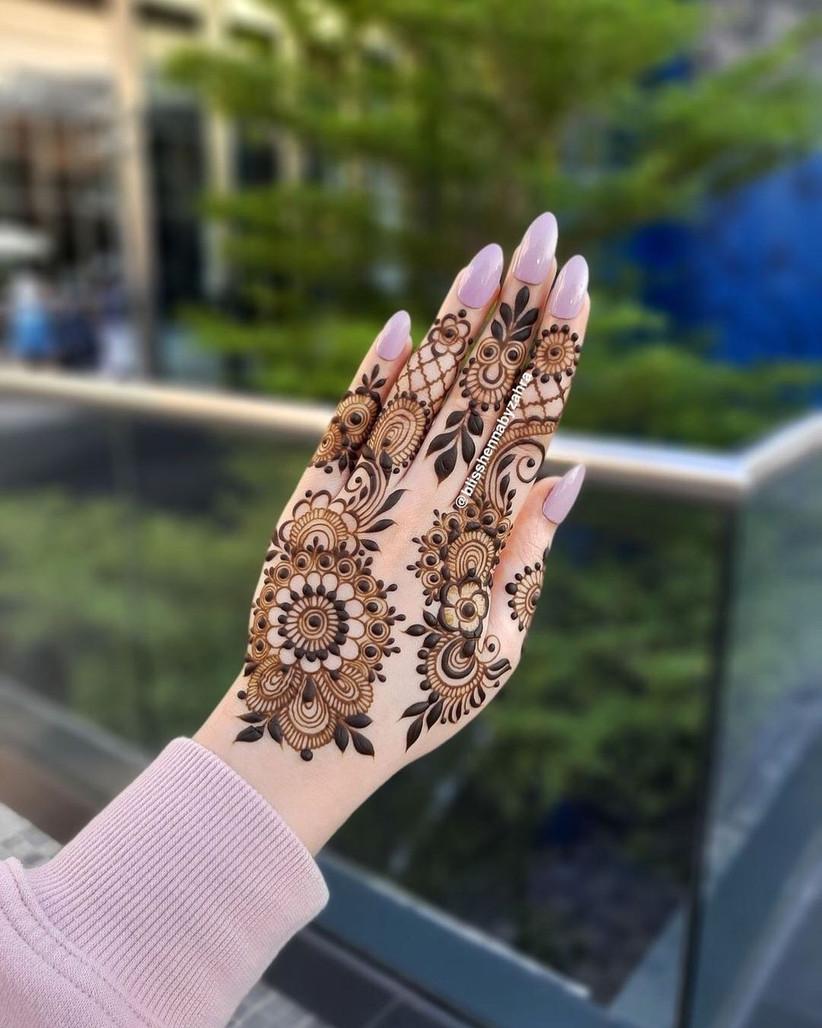 Simple Floral Mehndi Design