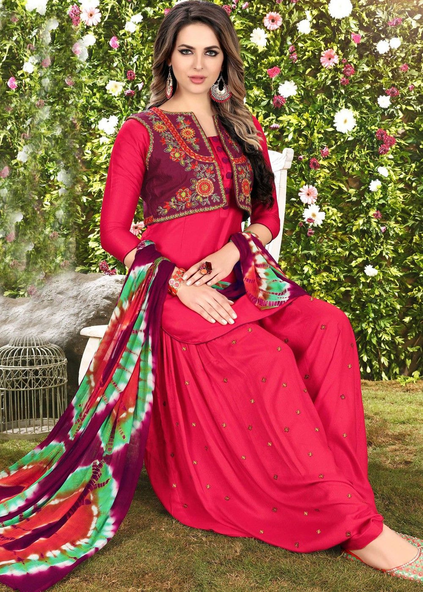 Punjabi Suit Images That Add Brightness & Fun to Your D
