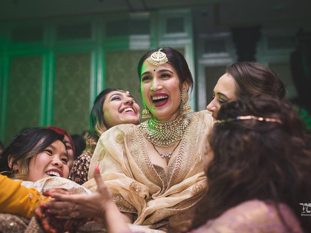 Upbeat Sister's Wedding Songs For The Much-awaited Sangeet Night