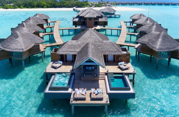 6 Exotic Overwater Bungalows for Honeymoon to Bookmark Right Away